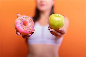 רוצה תפוח או דונאטס?