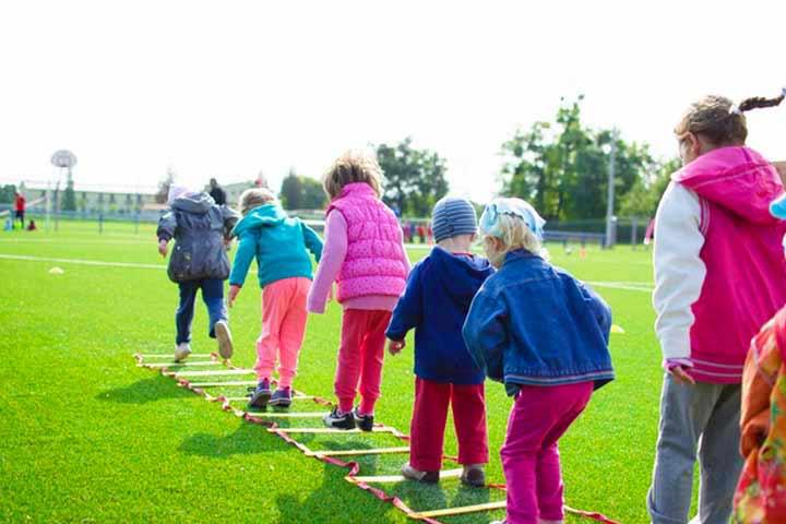 ילדים עושים ספורט