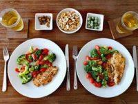 חזה עוף עם ירקות בתנור